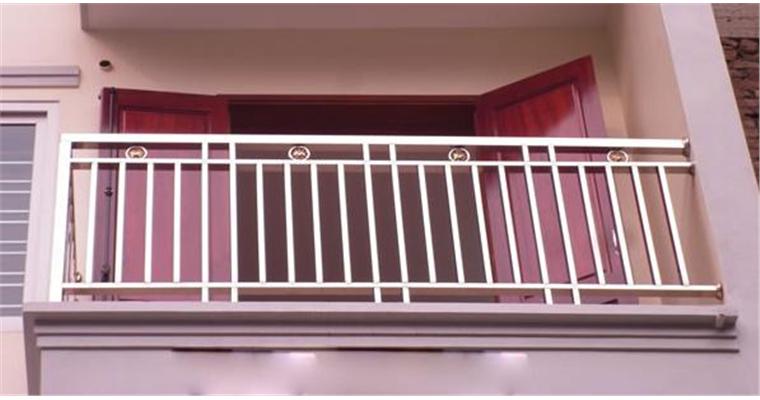Lan can ban công Cầu thang Inox cao cấp