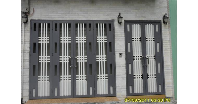 Mẫu cửa sắt 4 cánh đẹp